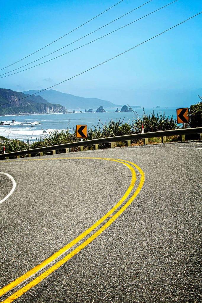 NZ roads coastline 02